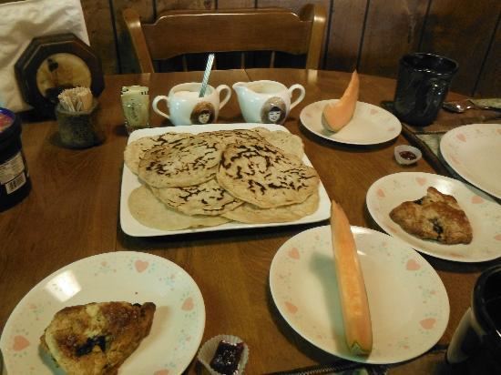 Willow Lake B&B : Sourdough pancake breakfast