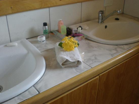 Daku Resort: everyday, flowers and fresh towels