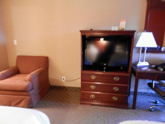 Motel 6 La Mesa CA: flat screen at this price? awesome