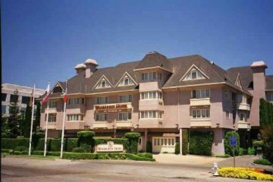 Woodcrest Hotel: Exterior