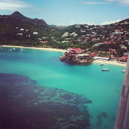 Eden Rock - St Barths:                   view from the plane