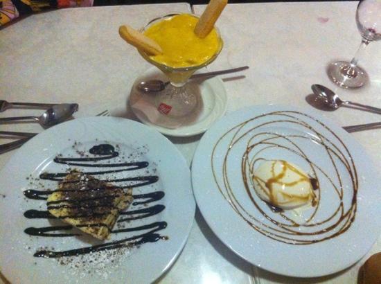 Vito's Italian Restaurant: Zabaione, Tiramisu & Panna Cotta. mouthwatering all three !!!