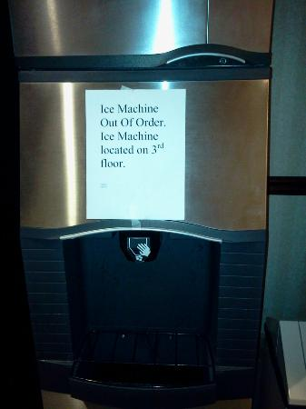 Red Roof Inn and Suites: out of order sign on first floor ice machine