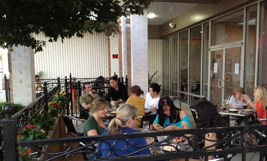 Cafe Tandoor: out door patio