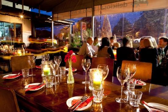 Deliciosa Tapas & Wine: Deliciosa -spring evening