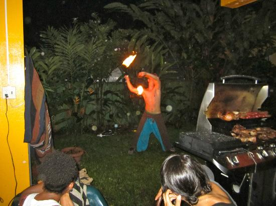 Hostel Mamallena: Fire spinning show at night