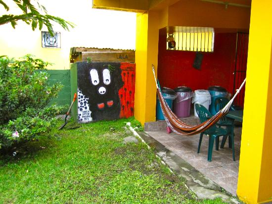 Hostel Mamallena: backyard
