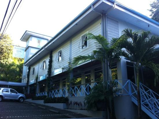 Hotel Plaza Yara: fachada