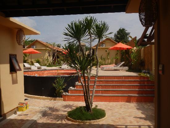 Laguna Gili Beach Resort: getlstd_property_photo