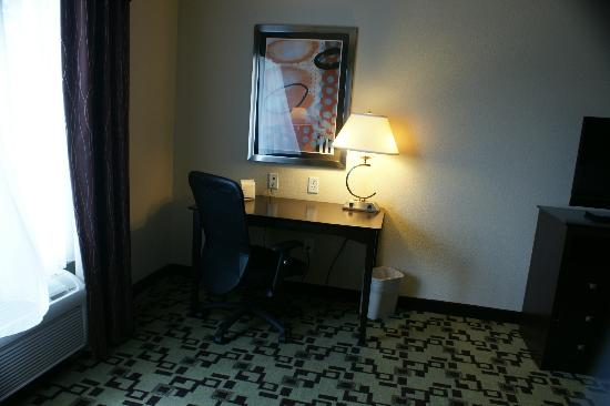 Holiday Inn Express Troutville-Roanoke North: Room