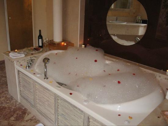 royal service pool  Picture of Paradisus Rio de Oro Resort & Spa, Holgui -> Cuba De Banheiro Jacuzzi