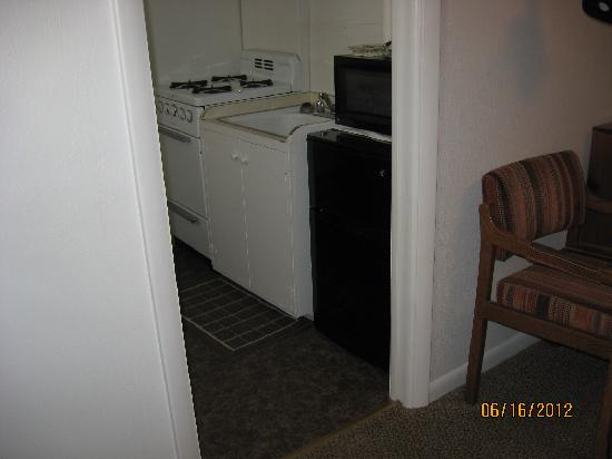 Silver Moon Motel : Room # 10 with kitchenette