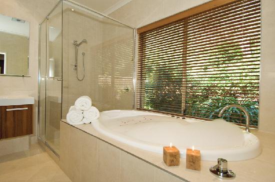 ويندميلز بريك: Premier Spa Apartment Ensuite Bathroom
