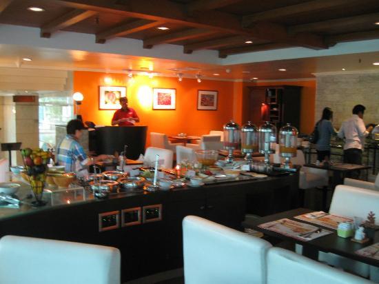 Ibis Jakarta Tamarin : Breakfast buffet