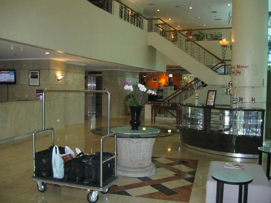 Ibis Jakarta Tamarin: Lobby