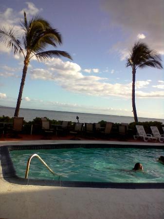 Kaunakakai, HI: hotel pool