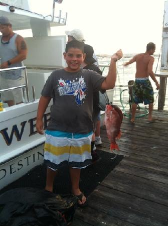 Capt cliff cox with his mates cliff jr and mitch for Sweet jody fishing