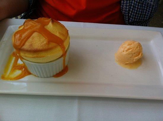Chill Dining & Wine Bar: apricot souffle