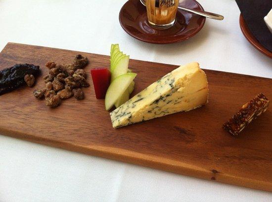 Chill Dining & Wine Bar: Shropshire blue & accompaniments