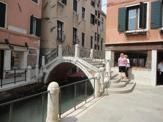 Ponte dell'Accademia: Around the bridge (2)