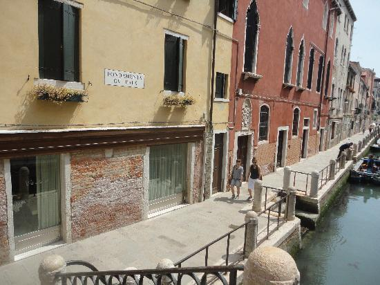 Ponte dell'Accademia: Around the bridge (5)