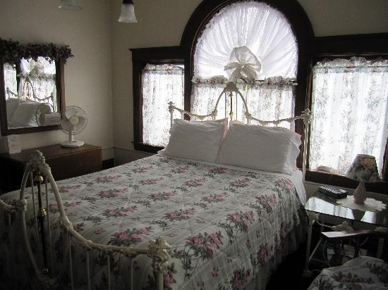 Franklin St. Station Bed and Breakfast: Second room