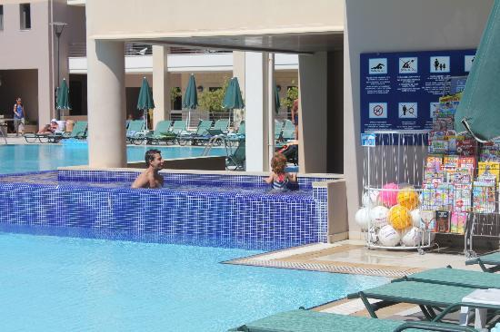 Porto Platanias Beach Resort & Spa: Main Pool Corner