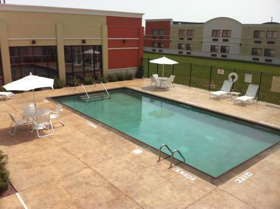 Quality Inn & Suites Conference Center: outdoor heated pool