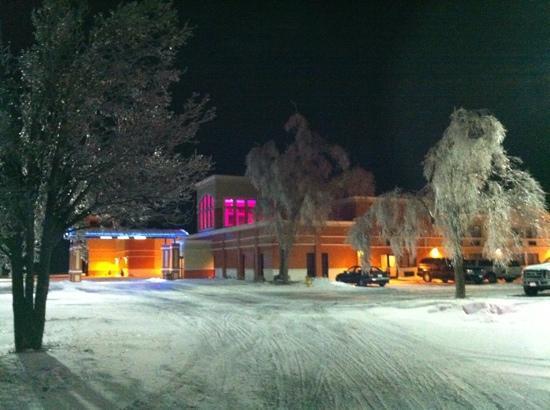 Quality Inn & Suites Conference Center: winter wonderland oasis