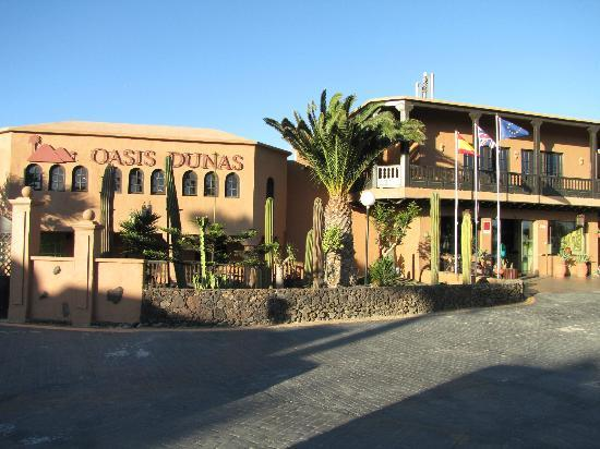 Oasis Duna Hotel: Hotel front