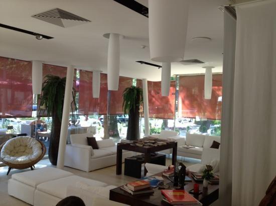 Rex Hotel: lounge