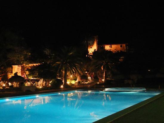 Es Port Hotel: At Night