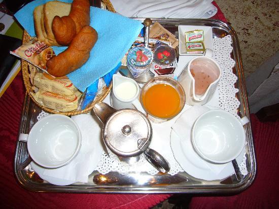 Casa Fenice: Breakfast in the room