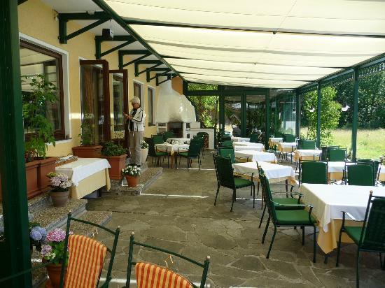 Seehotel Restaurant Lackner: Gartenterrasse