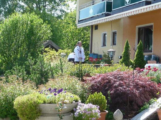 Seehotel Restaurant Lackner: Gartenteil
