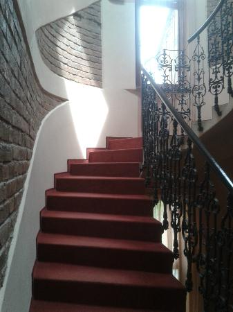 Hotel Arte: staircase