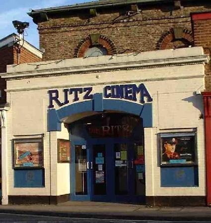 ‪Ritz Cinema‬