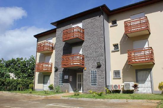 Mamoudzou, Mayotte : Façade de l'Hotel