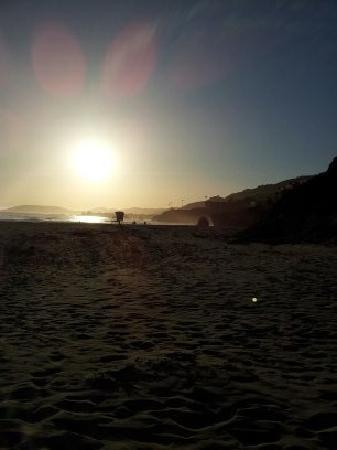 Kon Tiki Inn: Kon Tiki Beach