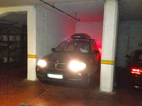 Residence San Giusto: Parking - Limited place