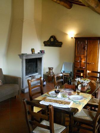 Podere Casarotta: Dining/living room Apt 5