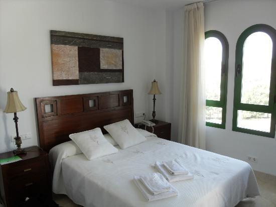 Pueblo El Goleto Aparthotel: Main bedroom