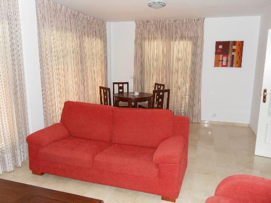 Pueblo El Goleto Aparthotel: Lounge