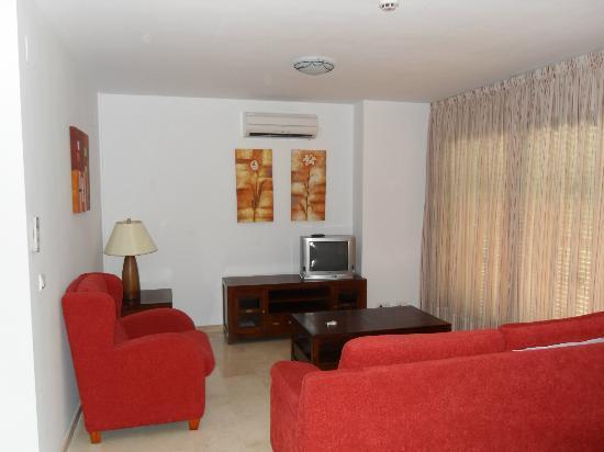 Pueblo El Goleto Aparthotel: Lounge, again