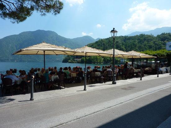 Lenno, Italy: very popular cafe