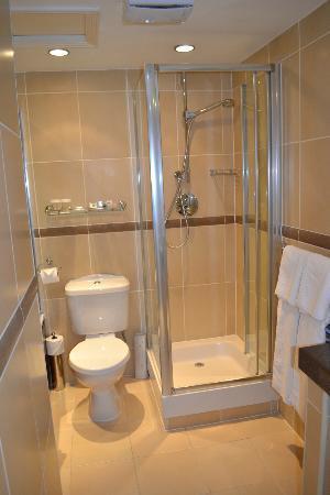 The Royal Adelaide Hotel: Bathroom