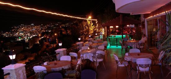 Bob Restaurant Cafe & Bar: Night View