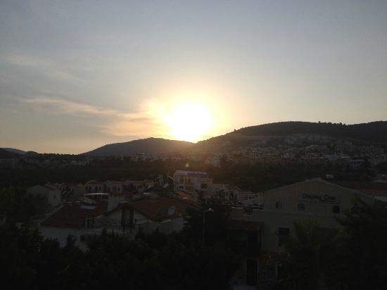 Rami's Terrace Restaurant: The sunset
