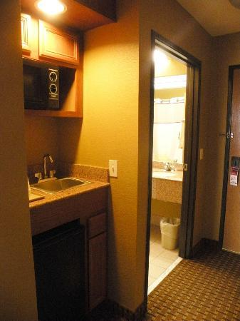 Hawthorn Suites by Wyndham Corpus Christi : King Room