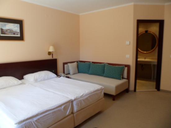 Iberostar Bellevue: very spacious room
